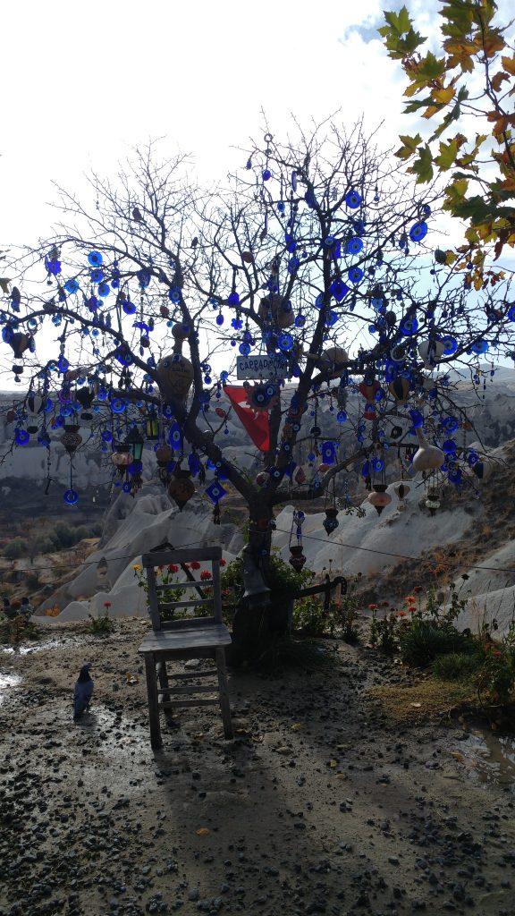 kapadokya nazar boncuklu ağac