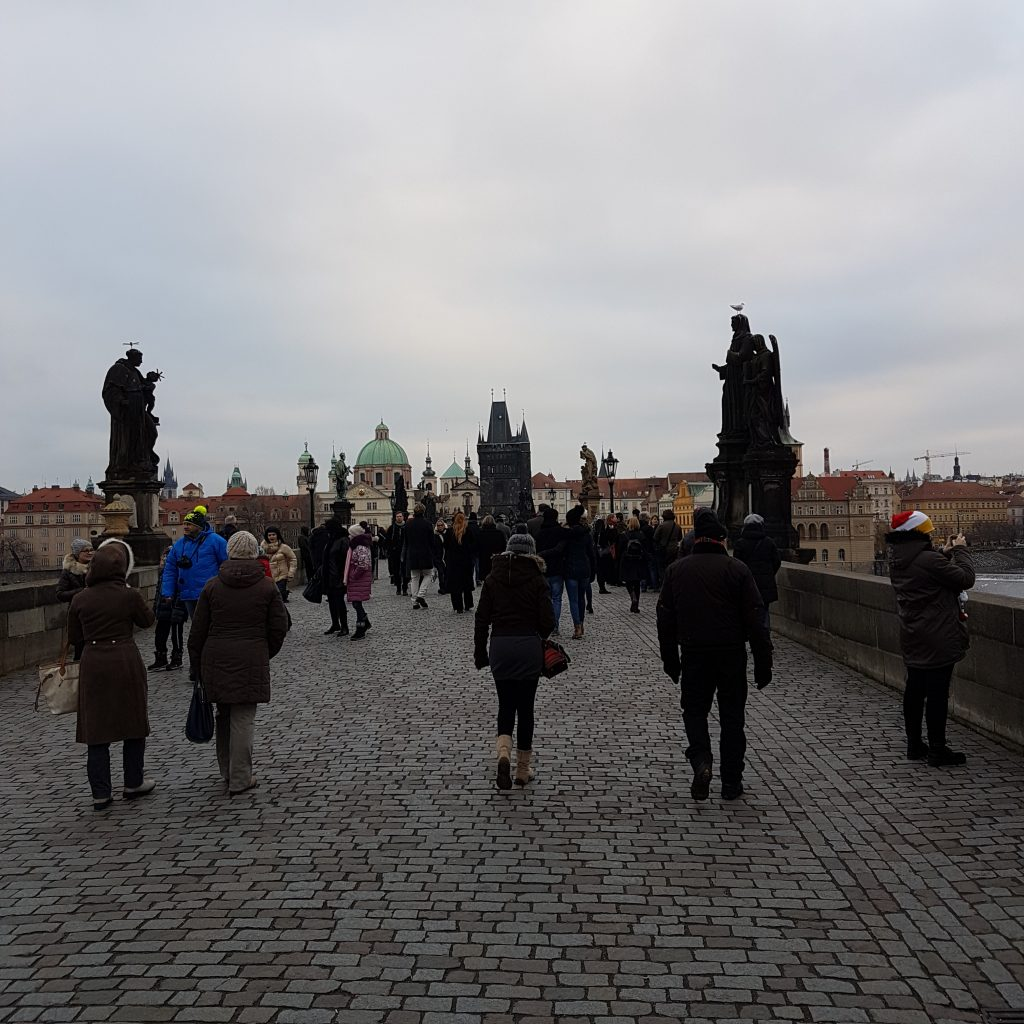 charles bridge people
