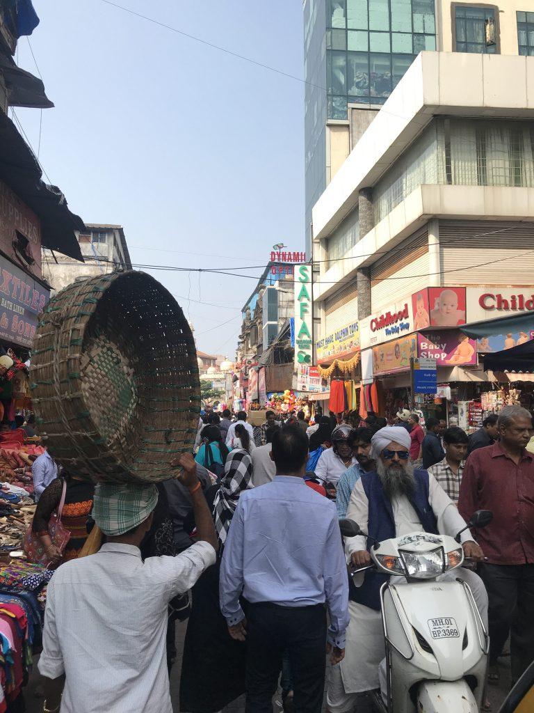 Çarşının kalabalıklığına bakın :)