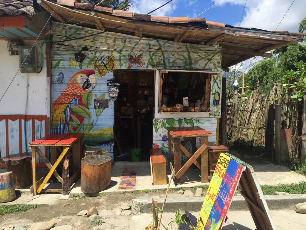 salento colorful shops